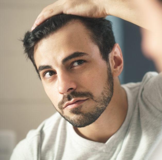 Alopecia: estratégias que podem auxiliar no crescimento capilar